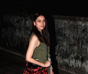 Aditi Rao Hydari seen at a Bandra salon