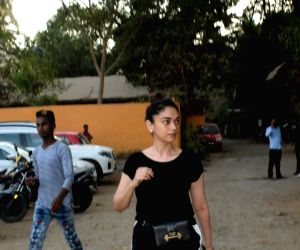 Aditi Rao Hydari seen at Versova