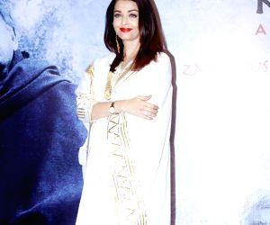 "Actress Aishwarya Rai Bachchan at late poet Kaifi Azmi's centenary programme - ""Raag Shayari"" in Mumbai on Jan 14, 2019."