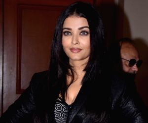5 classy and noteworthy red carpet looks of Aishwarya Rai Bachchan in 2019