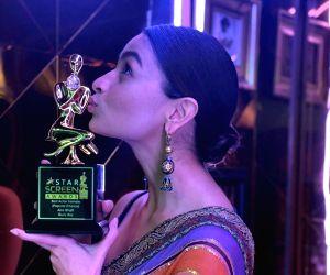 Free Photo: Alia Bhatt at Screen Awards 2019