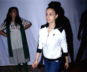 Rani Mukerji's father prayer meet - Ameesha Patel