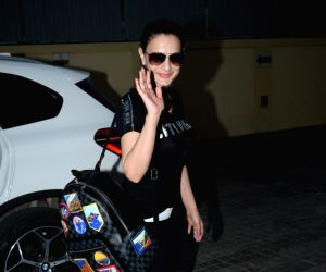 Ameesha Patel seen at Juhu