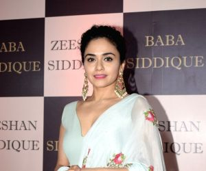 Digital platforms allow liberty for actors too: Amruta Khanvilkar