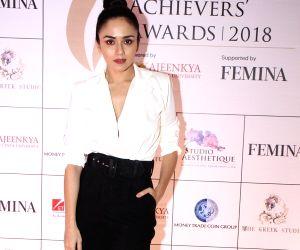 Maharashtra Achievers Awards 2018 - Amruta Khanvilkar