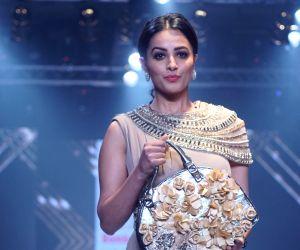 Bombay Times Fashion Week 2018 - Day 3 - Anita Hassanandani