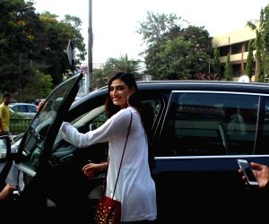 Athiya Shetty seen at Bandra