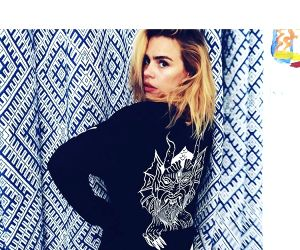 Billie Piper has 'abandonment issues'