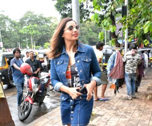 Bipasha Basu seen at Mumbai's Bandra