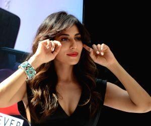 Chitrangada Singh unveils OnePlus 6