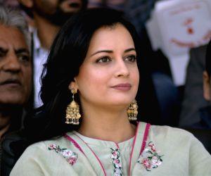Dia Mirza, Saiyami Kher dole out hair care secrets