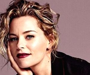Elizabeth Banks to direct 'Invisible Woman'