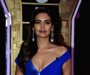 Esha Gupta wanted to be pilot