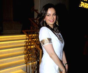 Evelyn Sharma seen in Mumbai