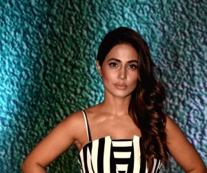 actress-hina-khan-at-the-premiere-of-ekta-kapoor