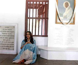 Huma Qureshi visits Sabarmati Ashram