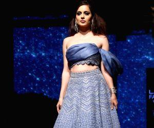 LFW 2019: Kangana Ranaut shone in radiance in her classy blue satin wear