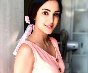 Newbie Kanikka Kapur ready for no make-up look on screen