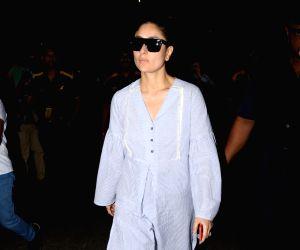 Kareena Kapoor Khan spotted at airport