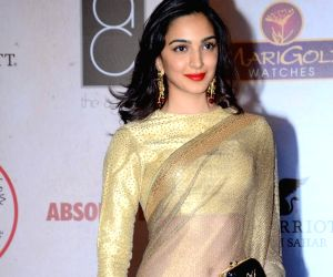 Kiara Advani twin in blac