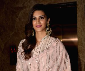 Kriti Sanon exudes major desi vibes in classic white lehenga
