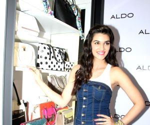 Kriti Sanon at Aldo Spring Summer 2015 Collection launch