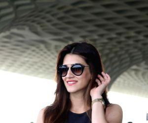 Kriti Sanon travelling Ahmedabad for Raabta Promotion
