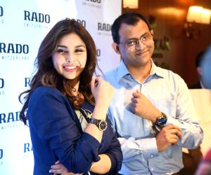 Lisa Ray launches a watch store