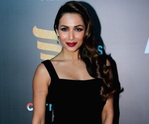 Malaika Arora sets the stage afire at RRANG show in USA