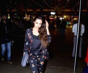 Malaika Arora Khan seen at Mumbai Airport