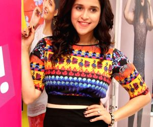 KAIRA launches Designer Festive Collection - Mannara Chopra