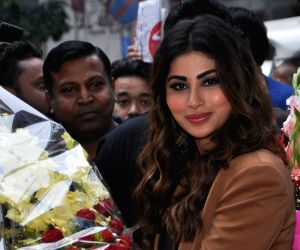 Mouni Roy launches OnePlus Experience Store