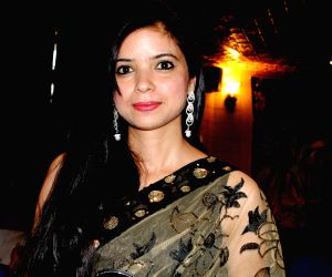 Jammu and Kashmir Academy of Art, Culture and Languages awards confers best actress award to Neelam