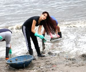 Beach Clean Up programme - Nora Fatehi
