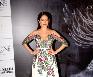 Celebs at the Red Carpet of Manish Malhotra's haute couture show