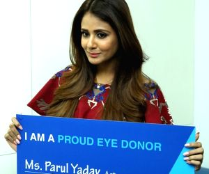Parul Yadav pledges her eyes