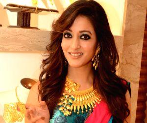 Raima Sen at a jewellery store