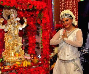 Bollywood celebrates Ganesh festival