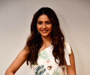 Rakul Preet is single and ready to mingle
