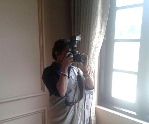 Rani Mukerji celebrates World Photographers' Day