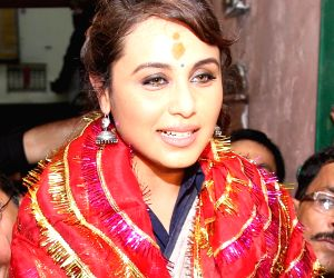 Rani Mukherjee visits Kalighat Temple