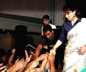 Rani Mukherjee promotes 'Mardani' at St Xavier's College