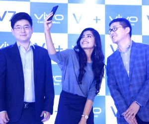 Vivo launches V7+ smartphone