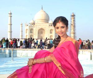 Ratan Rajput at Taj Mahal