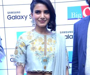 Samantha Akkineni at the launch of Samsung S9