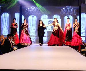 Fashion Designer Archana Kochhar's show- Sangeeta Bijlani
