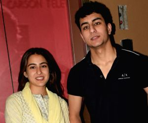 Sara Ali Khan, Amrita Singh and Ibrahim Ali Khan seen at Juhu
