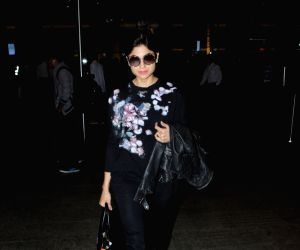 Shamita Shetty seen at airport