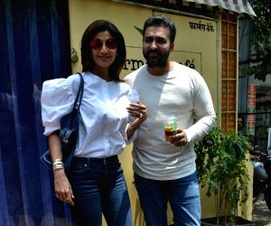 Shilpa Shetty Kundra and Raj Kundra seen at a cafe
