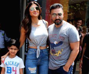 Shilpa Shetty seen with family at Bandra